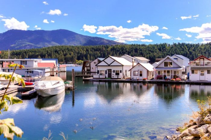 Rent a Unique Floating Cabin For Your Next Vacation In Idaho