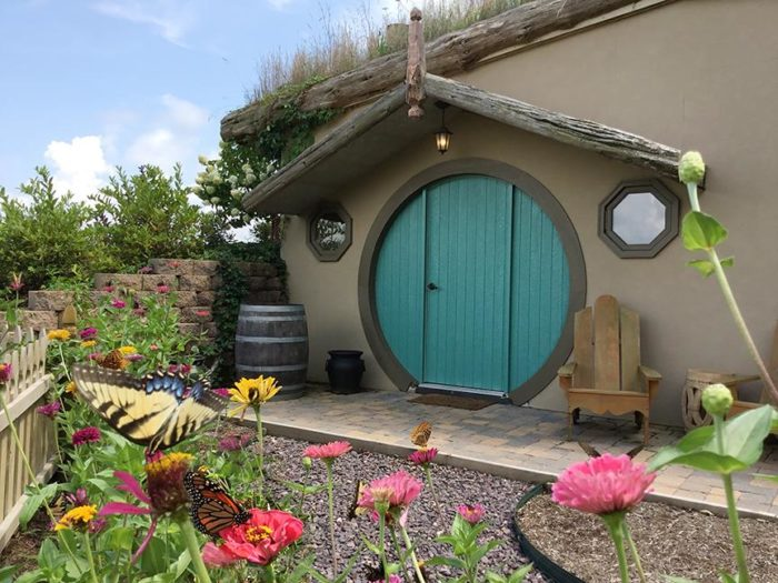 Spend The Night In A Hobbit House At Rocky Comfort Cabins