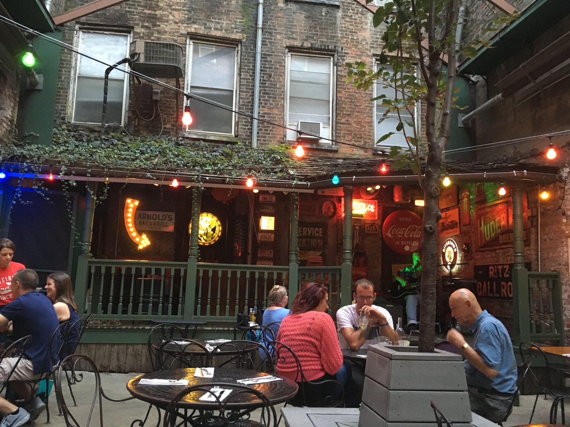 Arnolds Bar And Grill Is The Oldest Tavern In Cincinnati