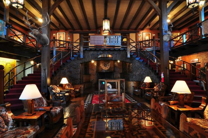 The El Rancho Hotel A Historic Hotel Where Hollywood Cowboys Stayed in New Mexico