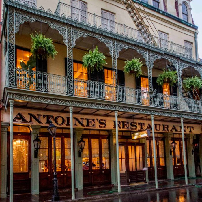 The 7 Best Restaurants Around New Orleans To Take An Out Of Towner