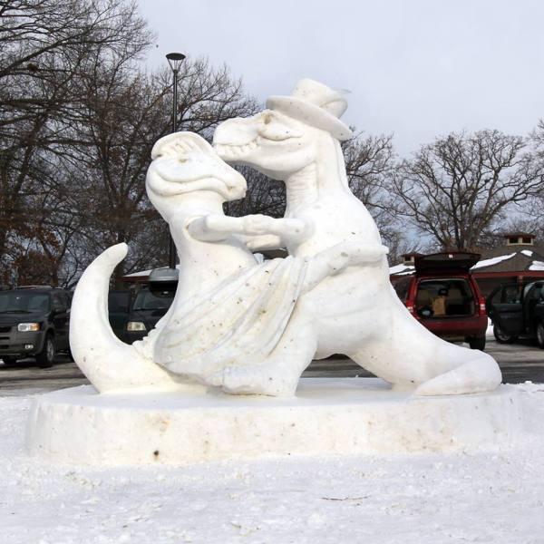 Amazing Illinois Snow Sculptures Put Snowmen Shame