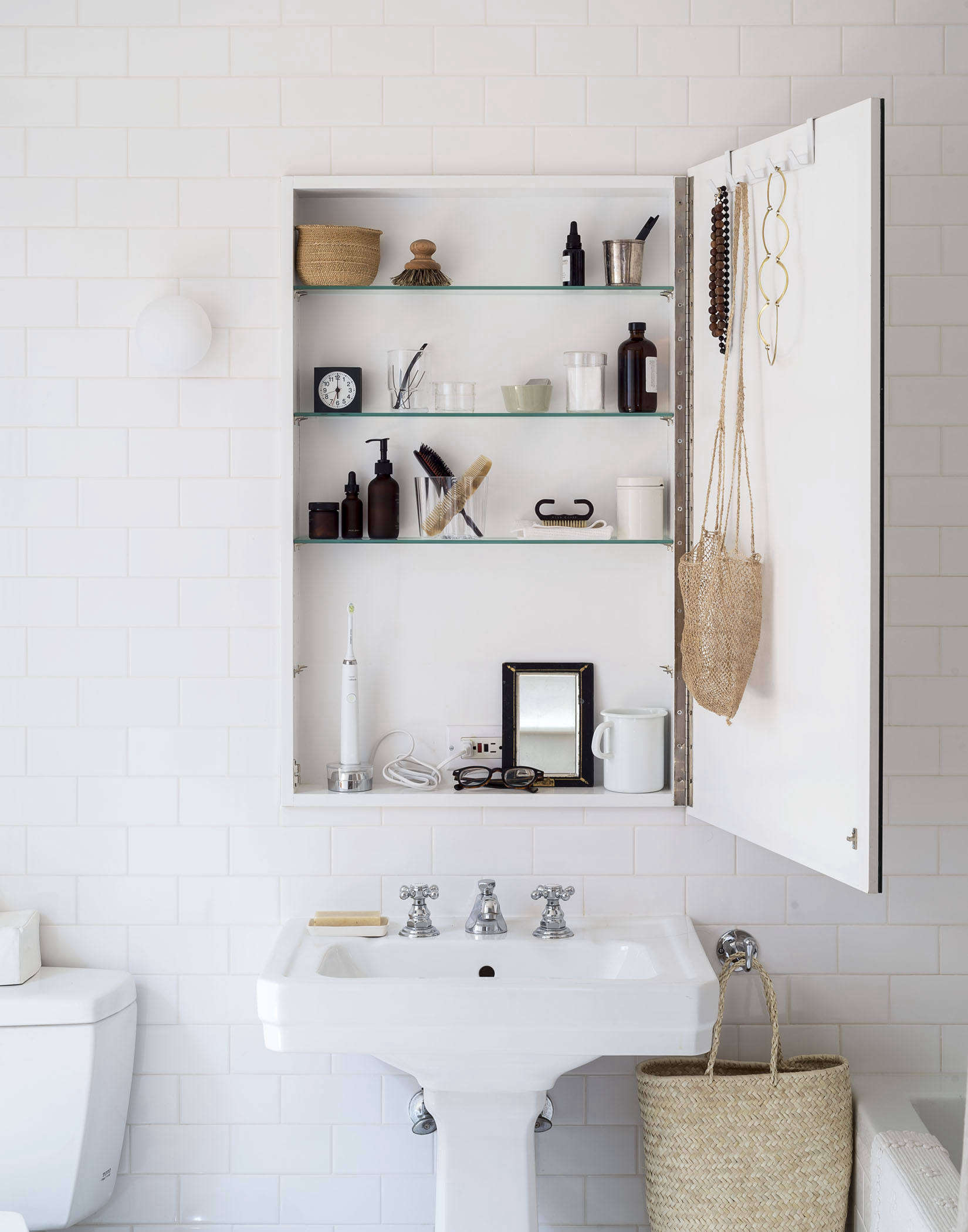 Bathroom Electrical Outlet 10 Things Nobody Tells You About Bathroom Storage