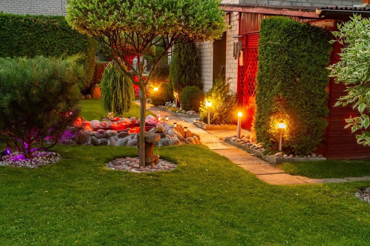 outdoor solar light ideas to illuminate