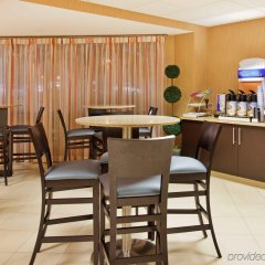 Hotel Avyan In St Louis United States Of America From 126