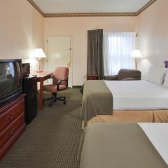 Holiday Inn Express Hotel Suites Plymouth In Bremen