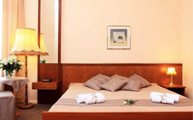 Hotel Pension Arche In Berlin Germany From 76 Photos