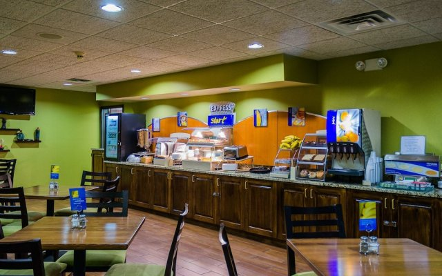 Holiday Inn Express Hotel Suites Acme Traverse City In