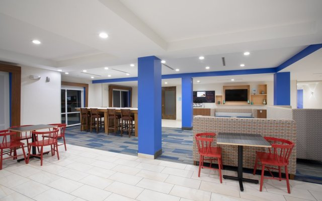 Holiday Inn Express Slidell In Pearl River United States Of