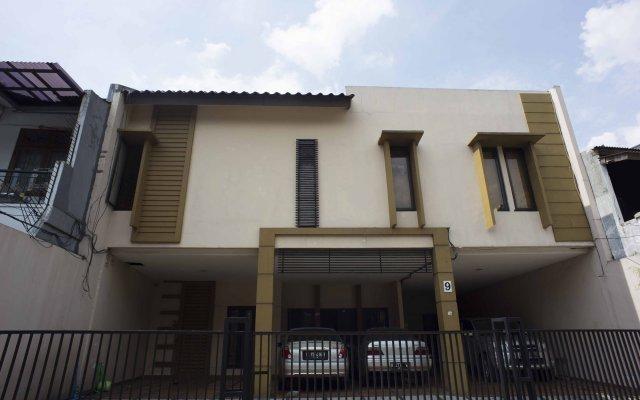 Reddoorz Kebayoran Lama Selatan In Jakarta Indonesia From