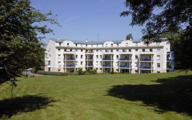 Residence Hotel Les Ducs De Chevreuse In Chevreuse France