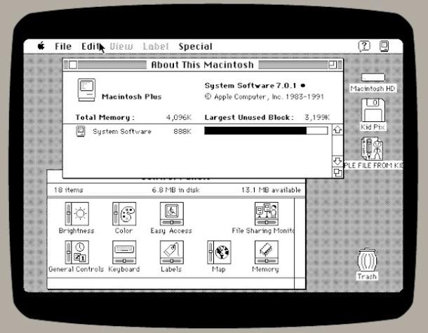 Снимок экрана эмулятора Mac Plus