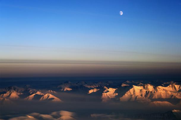 арктический восход луны