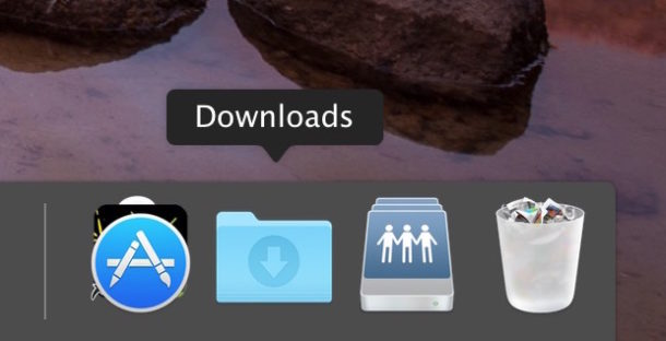 Restore an accidentally deleted Downloads folder to Dock on Mac