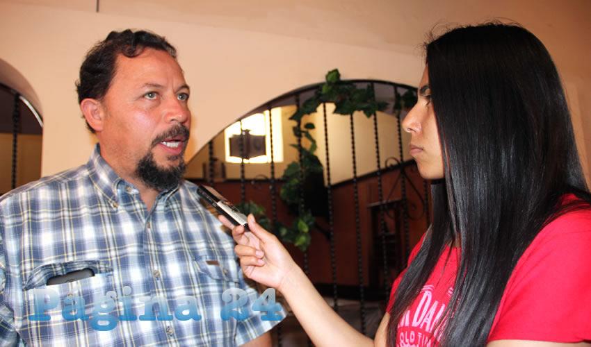 """Alejandro Rivera Nieto: """"Tenemos que organizarnos y tomar las instalaciones del Issstezac, ya que no es recurso de ellos. Ellos nada más están para administrar los recursos de los trabajadores"""" (Foto: Rocío Castro Alvarado)"""
