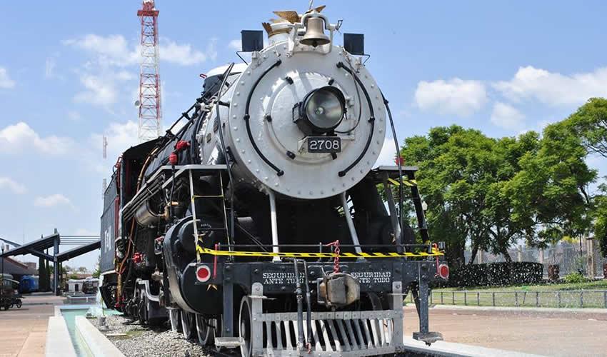 El ferrocarril y el establecimiento de talleres, fueron fundamentales para la transformación del Aguascalientes de finales del siglo XIX (Foto: Carlos Alberto Sánchez Villegas)