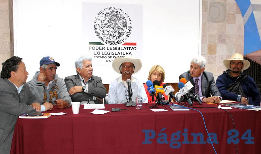 Roberto de la Rosa: Gran parte de la problemática que se vive en Salaverna se debe a la utilización de explosivos por parte de la mina para la extracción de minerales (Foto: Rocío Castro Alvarado)