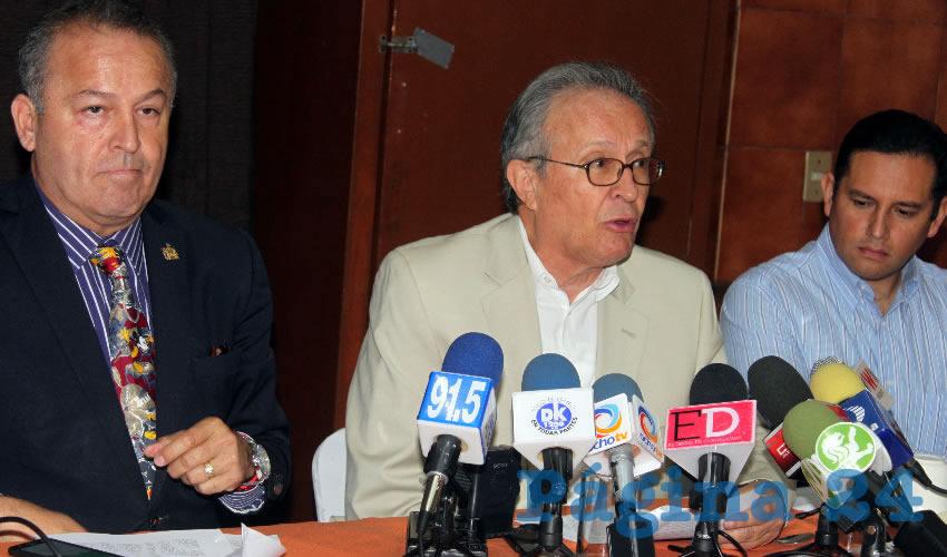 En enero del año pasado ya habían exigido que se examinara la actuación de Felipe Álvarez Cibrián al frente de Derechos Humanos Jalisco, pero los colectivos ciudadanos fueron ignorados por el Congreso local/Foto: Francisco Tapia
