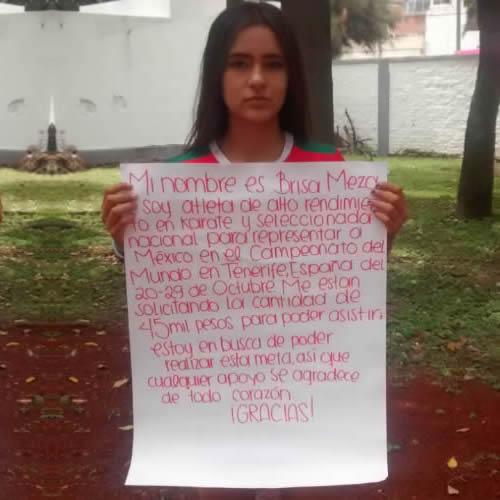 """""""Hemos metido peticiones escritas y las hemos dejado en las dependencias pero no hay respuesta alguna"""", criticó la joven Brisia Meza sobre sus esperanzas para ir a representar a México en el Mundial de Karate/Foto: Francisco Tapia"""