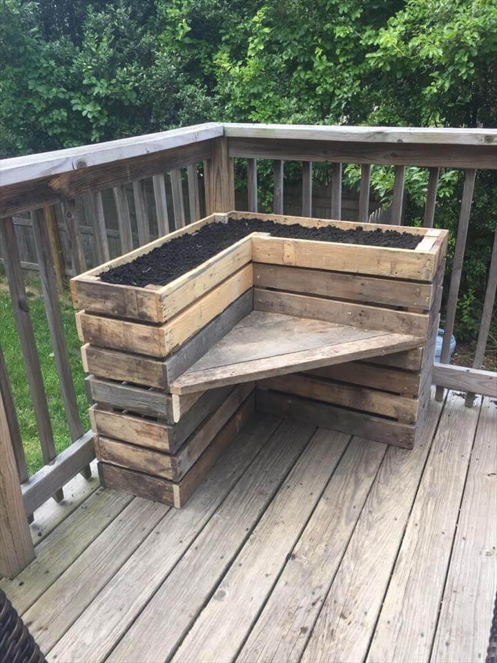 DIY Pallet Bench with Flower Box for Corner  Pallets Pro