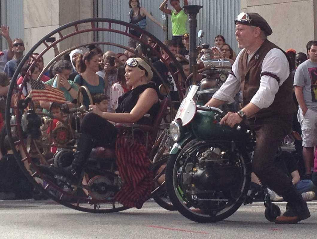 2012 Dragon Parade Costumes Music Paste