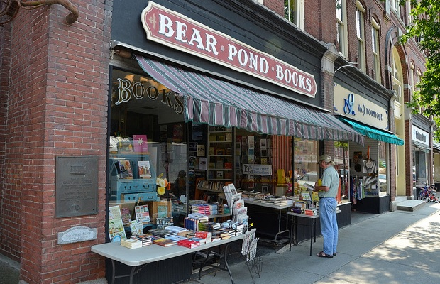 indie-bookstores bear-pond-books
