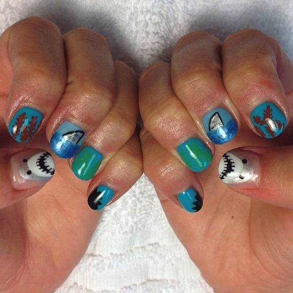 jaws claws - shark