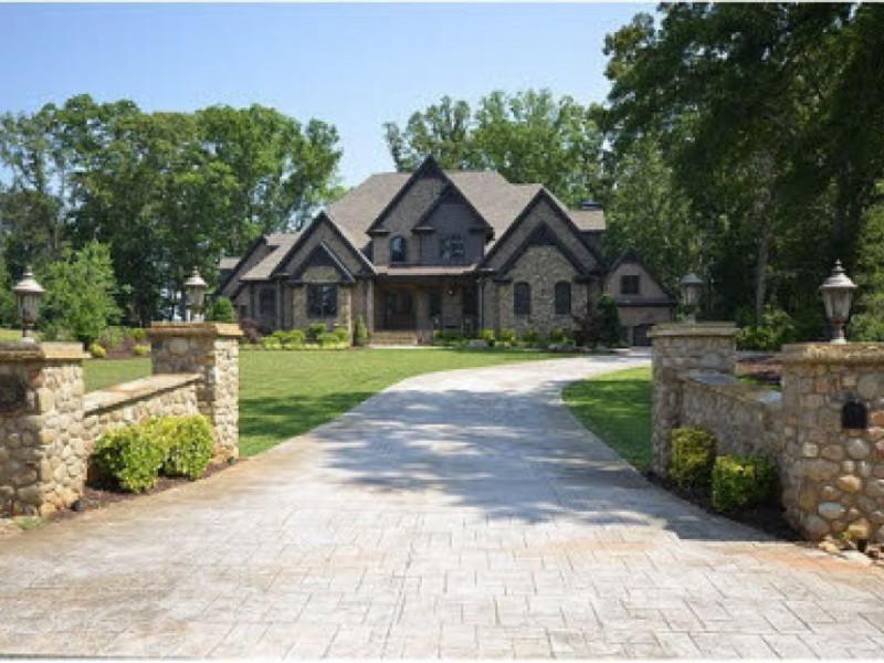 600 Dollar Million Home
