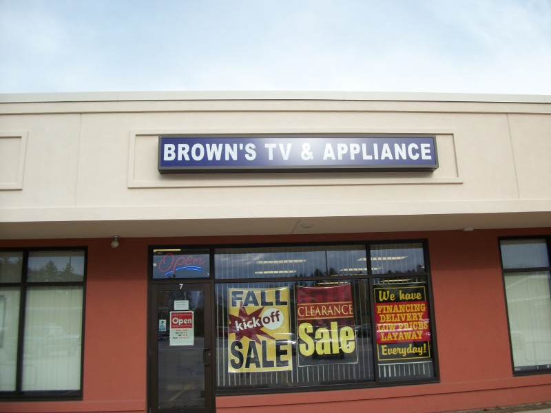 Browns TV Closing Furniture Stores Started Giving Away