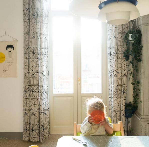 Le foto di Giuliegiordi sono un vero e proprio racconto di famiglia vissuto attraverso le avventure e gli occhi incantati delle piccole Frida e Agnese.