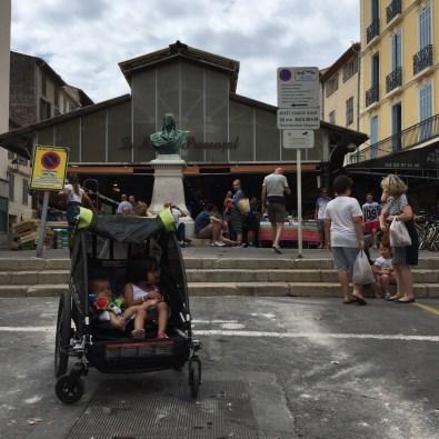Antibes: impossibile non innamorarsi delle sue stradine, del Marché Provencal e dei tanti localini che si affacciano tra le vie del quartiere storico.