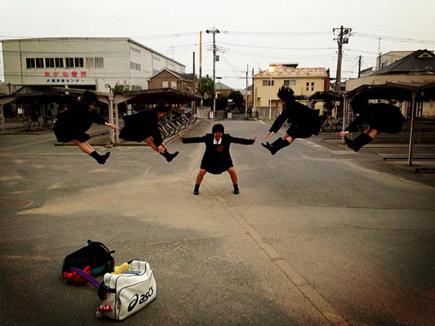 Faking Anime Fight Scenes is Emerging As a Fun Photo Fad in Japan attack3