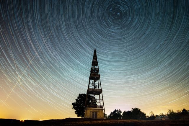 Star-trails-Cizovka-combined