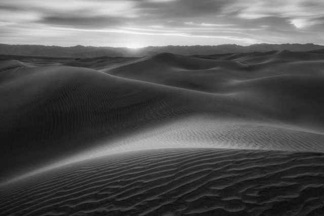 This black and white sand dunes photo was taken with the Nikon 20mm f/1.8G at f/16.