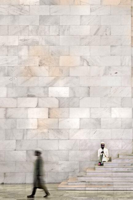 17.-Sanctum-Santorum-ñ-Raudat-Tahera-India_Swarup-Chatterjee