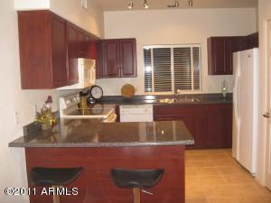 7401 W ARROWHEAD CLUBHOUSE Drive, 1059, Glendale, AZ 85308