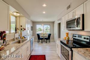 10331 W RODGERS Circle, Sun City, AZ 85351