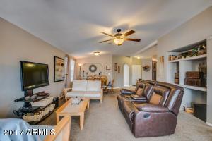 40641 N CLUBHOUSE Drive, San Tan Valley, AZ 85140