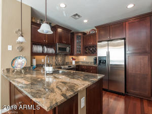 2452 E MONTECITO Avenue, Phoenix, AZ 85016