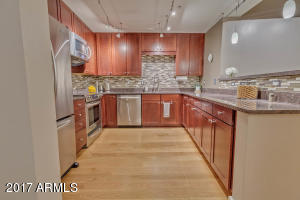 Upgraded Kitchen w/Stainless