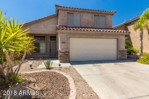 Beautifully maintained 3 bed + Den, 3 bath home in Foothills Club West area of Ahwatukee.