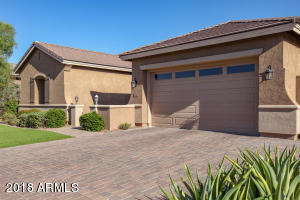 681 W GRAND CANYON Drive, Chandler, AZ 85248