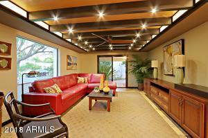 1325 W GLENDALE Avenue, Phoenix, AZ 85021