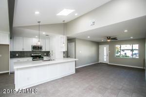 2519 E ELM Street, Phoenix, AZ 85016
