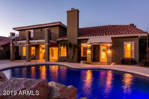 Elegant lighting to relax or entertain by the pool.