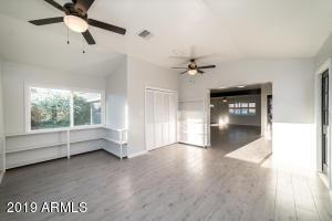 5716 N 37TH Drive, Phoenix, AZ 85019