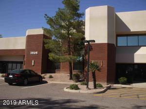 3225 N WASHINGTON Street, Chandler, AZ 85225