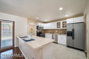 2318 W MYRTLE Avenue, Phoenix, AZ 85021