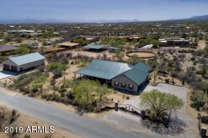 Ranch home, separates large shop/garage, horse stable & round pen