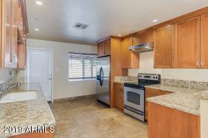 8702 E SHERIDAN Street, Scottsdale, AZ 85257